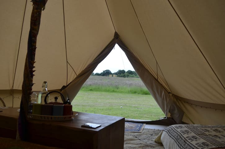 Traditional Family Sized Bell Tent - Kirby Cane, Bungay - Tienda de campaña