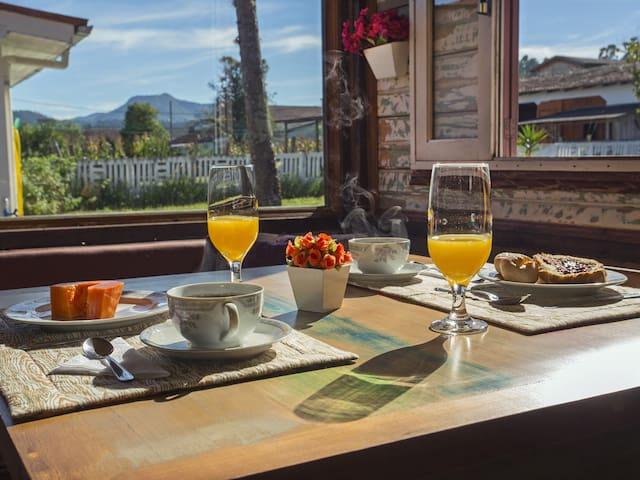 Vista no nosso Cantinho do Café! Local rustico e charmoso preparado para você!