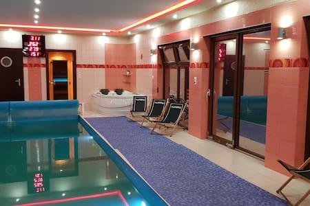 Dom z basenem i sauną małe SPA najem k/Poznania