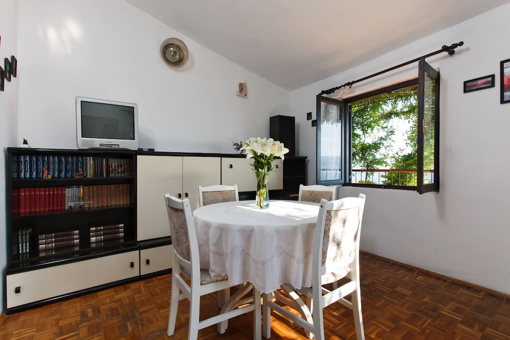 Dining/living room with TV, AC and Wi-Fi, Apartment Maja & Mate, Stanići, Omiš, Croatia