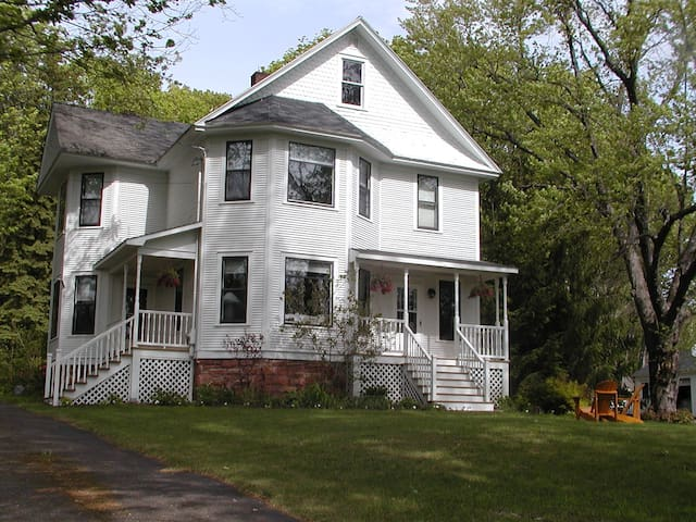 2BD in beautiful historic house