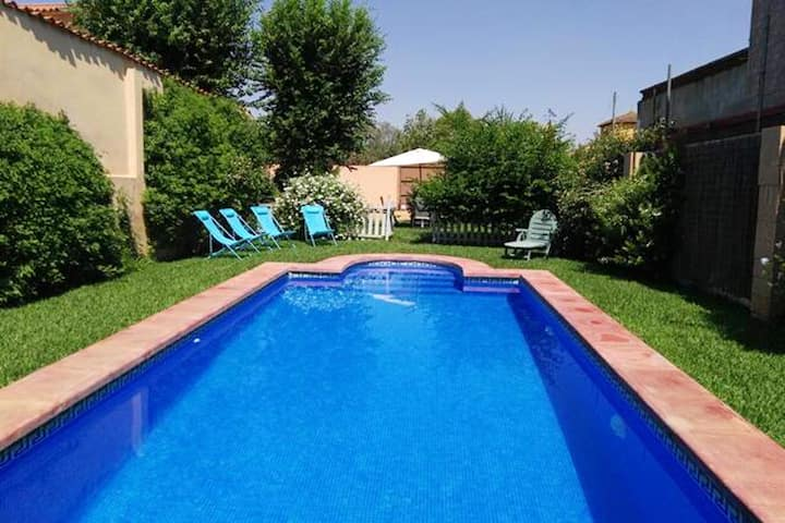 Chalet with 3 bedrooms in Carmona, with private pool, enclosed garden and WiFi