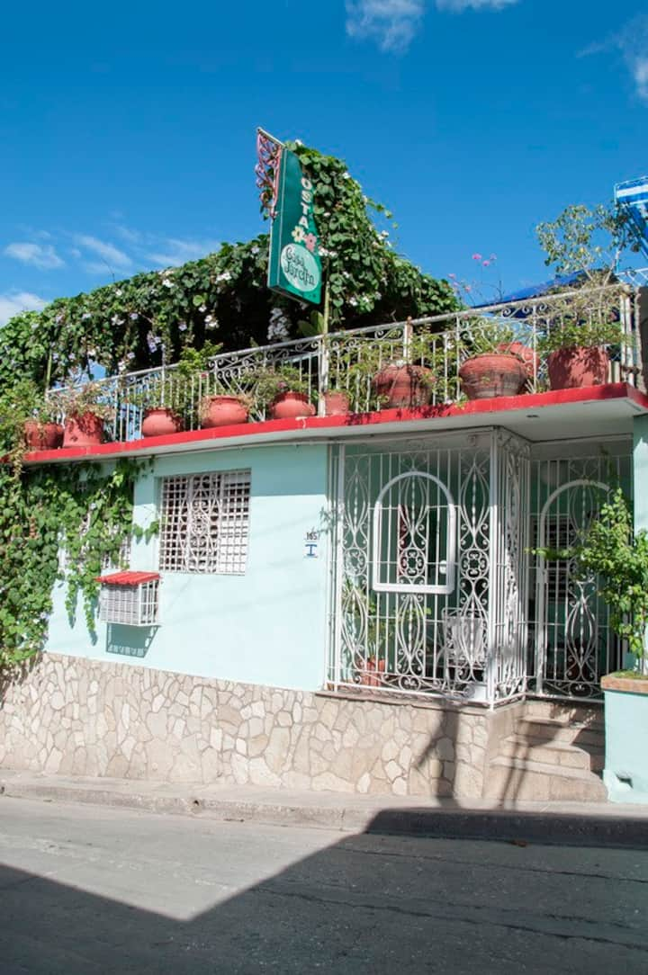 "Hostal Casa Jardin: ""Habitacion To´ Mezclao"""