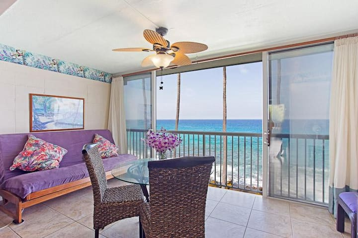 Dine over the ocean. Full size futon with memory foam mattress for comfort.
