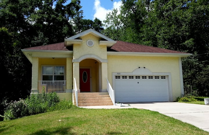 Immaculate urbane solid built home.