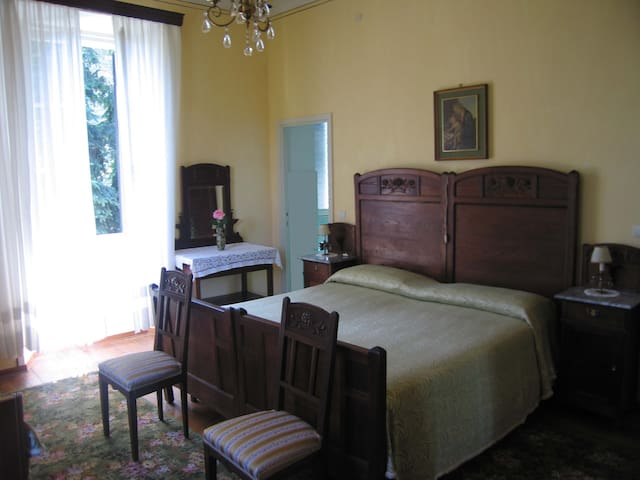 "B&B Villa Margherita - Camera ""Camelia"""