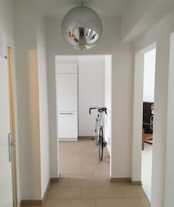 Pure, modern & best connection to Metro + Messe - Köln - Apartment - 0