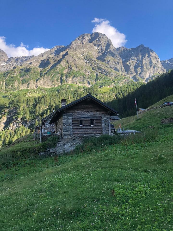 Rustico in Valle Pontirone (Alpe di Scengio)