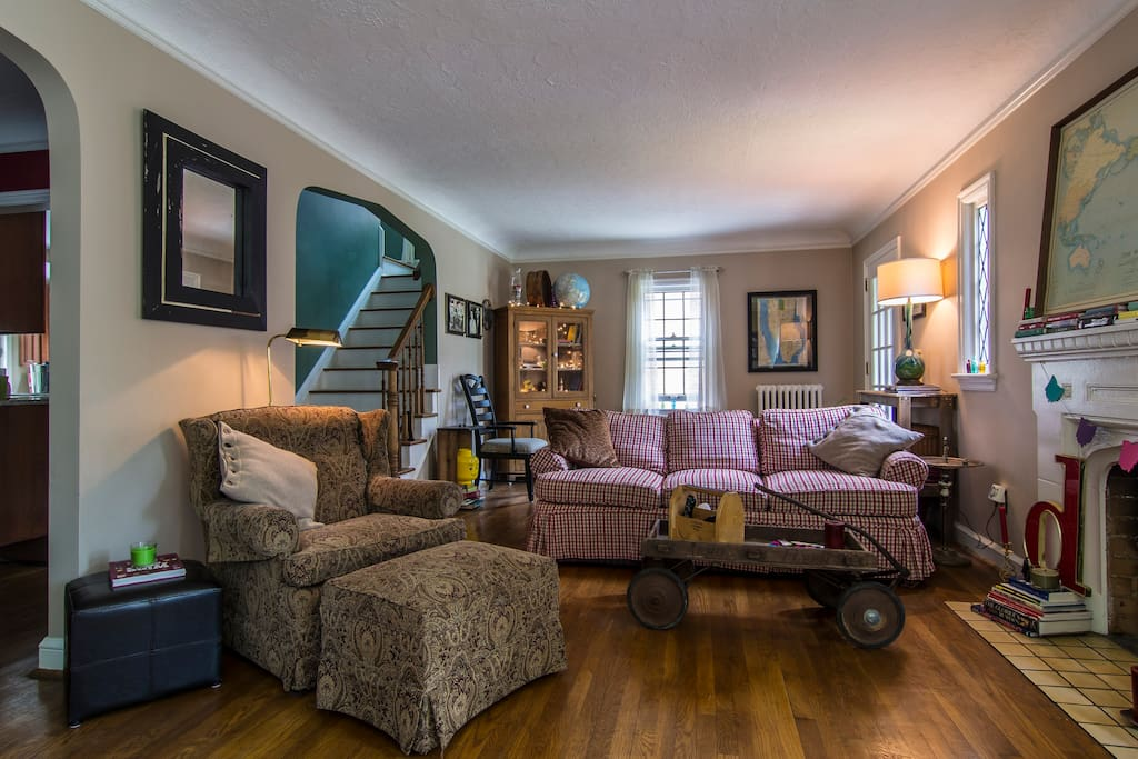 Welcome to the large, relaxing and eclectic family room!