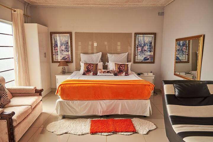 MUFARO WENYASHA Honeymoon Suite