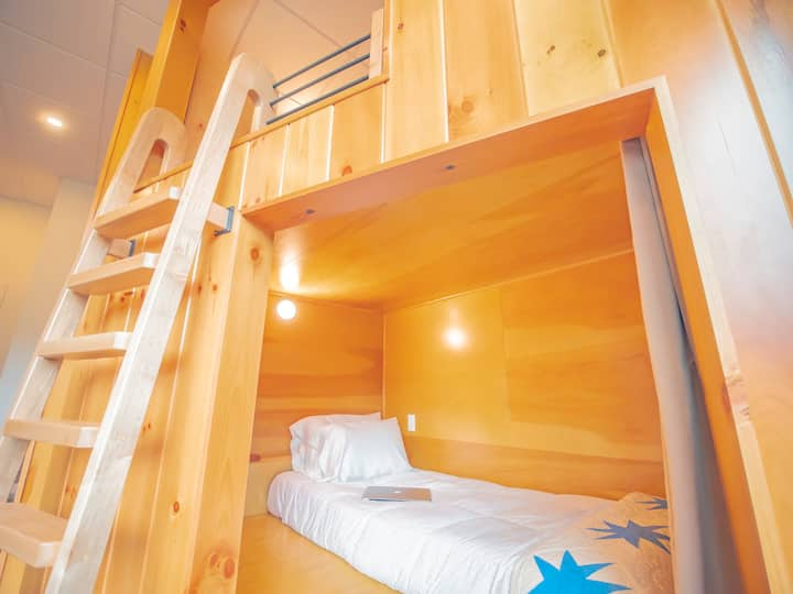 River Mountain Twin Bed Glamping Pod- Main Lodge
