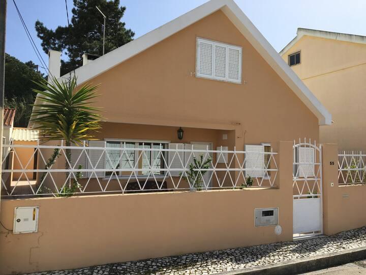 Casa de Praia (a 20km do Centro de Lisboa)