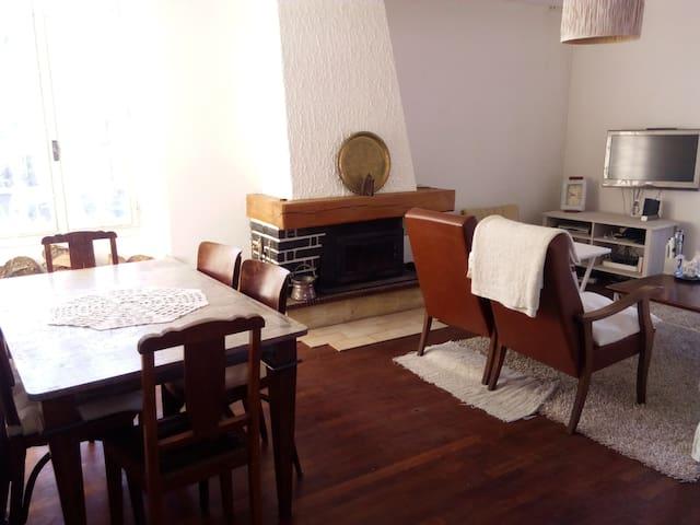 Cozy Casa Blanca - Charroux - 단독주택
