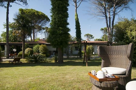 BibioneVillaPark Villa con piscina - Bibione - วิลล่า