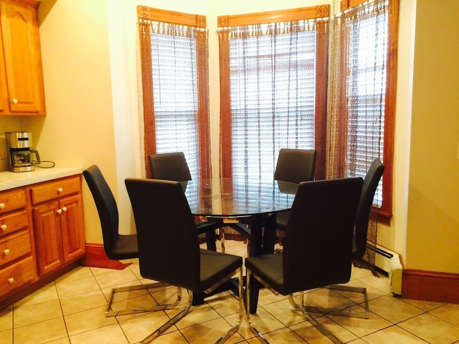1st FL : Dinning Room