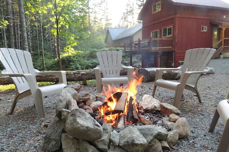 Baby Bear's Den Lodging - Packwood - Hytte