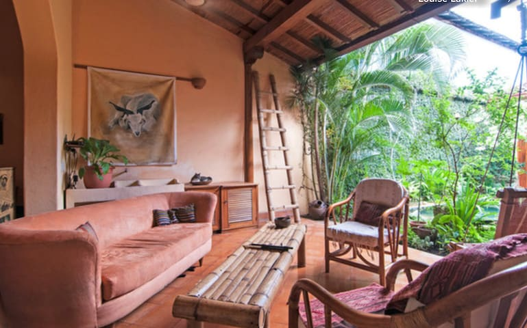 Charming Colonial Home - Granada - Talo