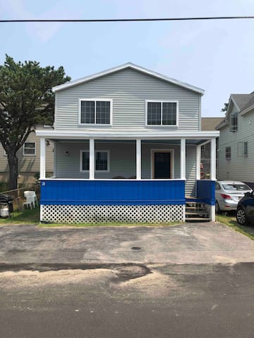 3BR Summer Home just 100 steps to Camp Ellis Beach