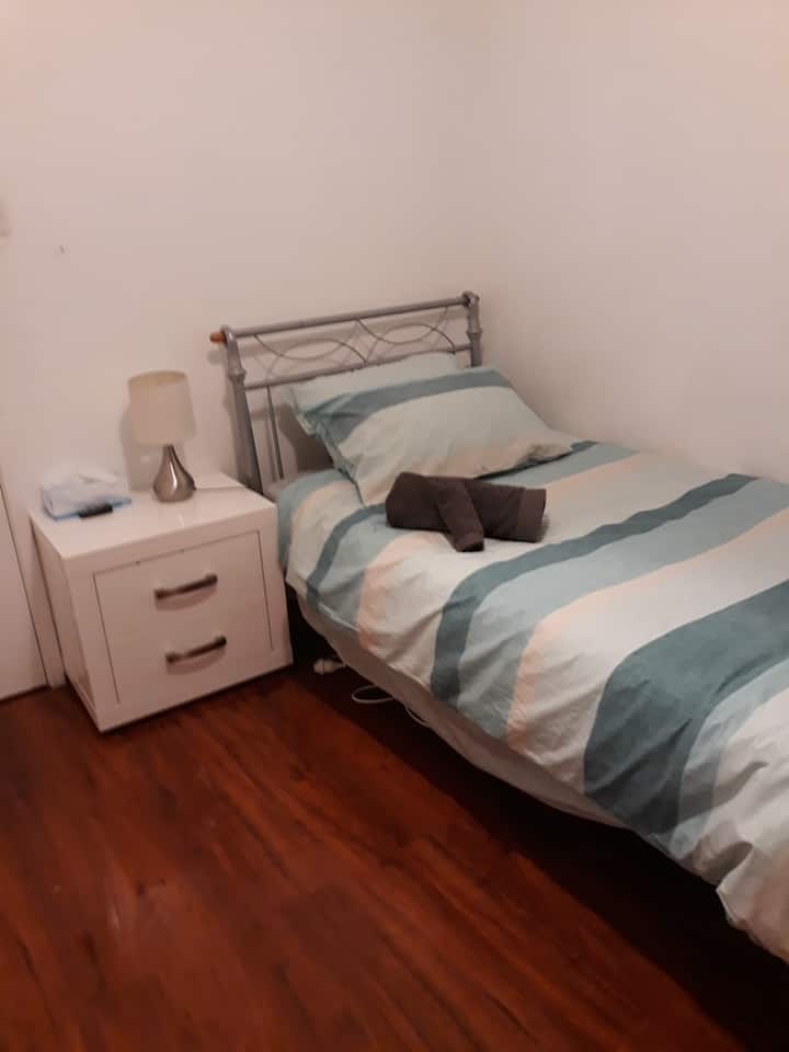 Close to the Airport. Budget accommodation