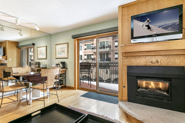 Walk to Gondola, Shops, Restaurants in Vail Lionshead Village | Lifthouse 306