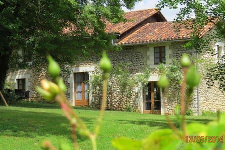 Maison de charme en Périgord - Bourdeilles