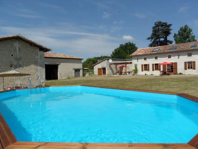 Ferme Bouton d'Or - Buttercup Farm - Léoville - Haus