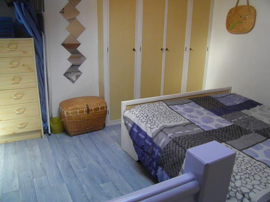 Petite maison en bord de mer houses for rent in saint - Petite maison bord de mer ...