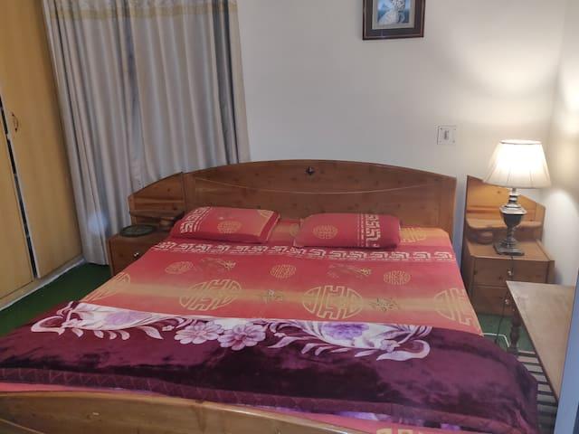 Alpine Homestay- lake+city+king size bed+wifi+tv