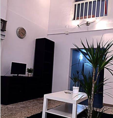 DUPLEX IN CENTER OF BARCELONA - Barcelona - House