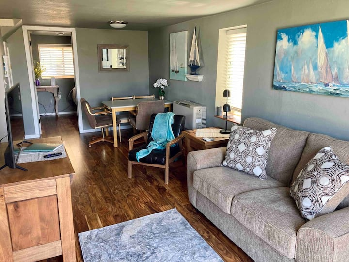 The Carriage House - dog friendly!