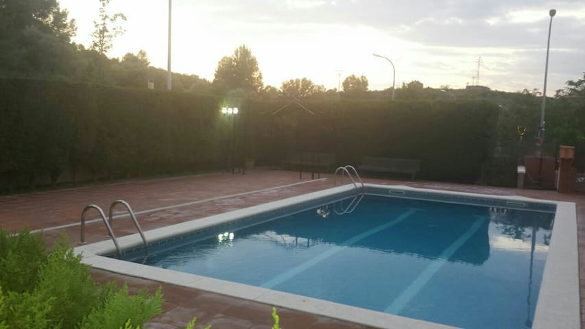 FLATholyday perfecto with pool BCN - Castellbisbal - Apartment