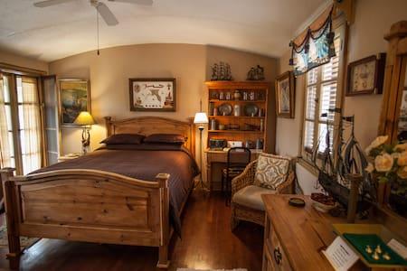 Christopher Columbus Room w Balcony Beachside - Daytona Beach - Bed & Breakfast