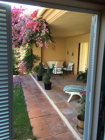 Villa in Sotogrande  2 bedrooms - Sotogrande  - Hus