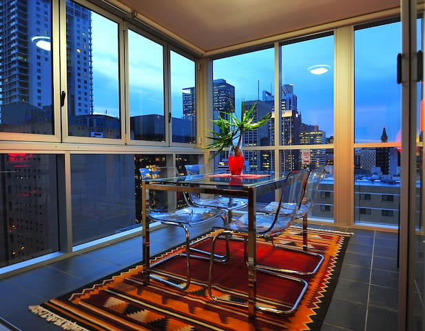 Luxury 2 BR in Brisbane CBD + Facilities - Brisbane - Byt