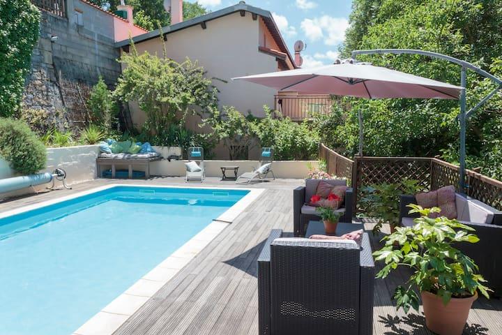 Surya Pyrenees B&B Foix - Yoga/Pool/Views/Gdn Rm 1 - Foix