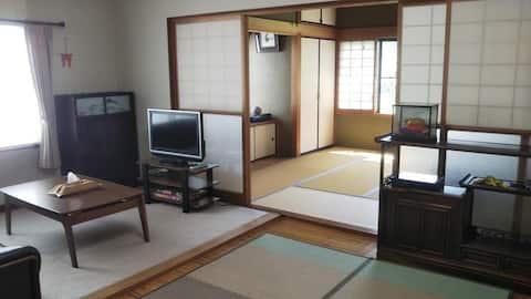 Spacious & cozy Japanese-style house