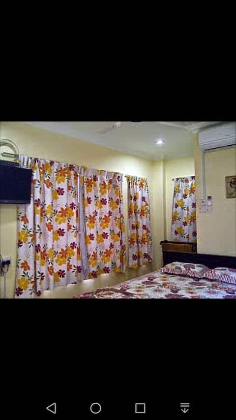 Al Mustaqim roomstay 3 keramat AU near zoo negara