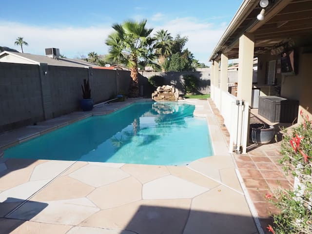 North Phoenix Pool Paradise