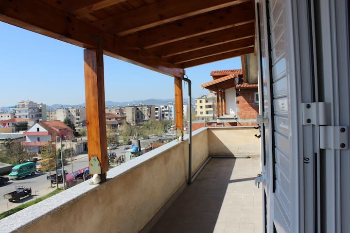 Loft overlooking Tirana - Kamëz