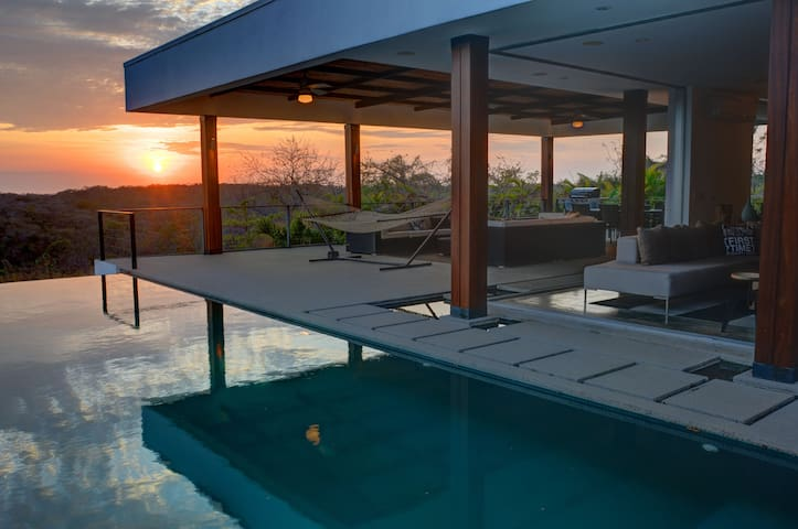 Majestic Views! Infinity Pool! Concierge Service! - Emerald Woods - Villa