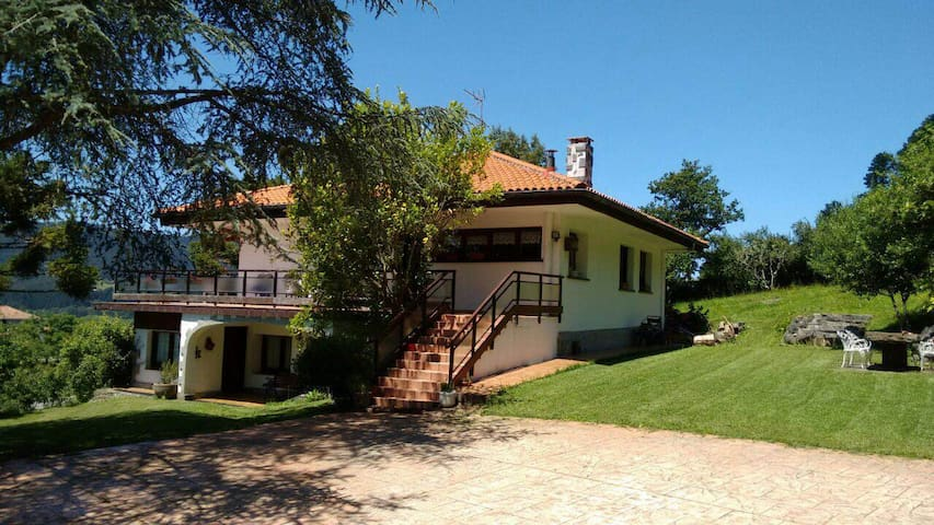 Casa en Reserva de la Biosfera - Sukarrieta - Huis