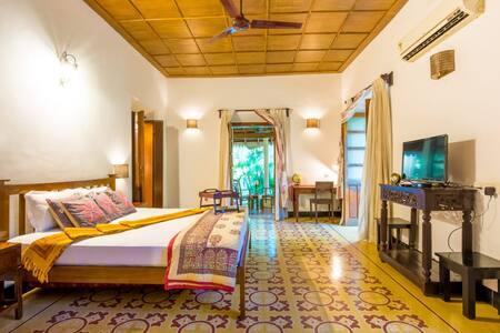 3BR Beach Villa|Calangute|pool|cook|wifi|breakfast