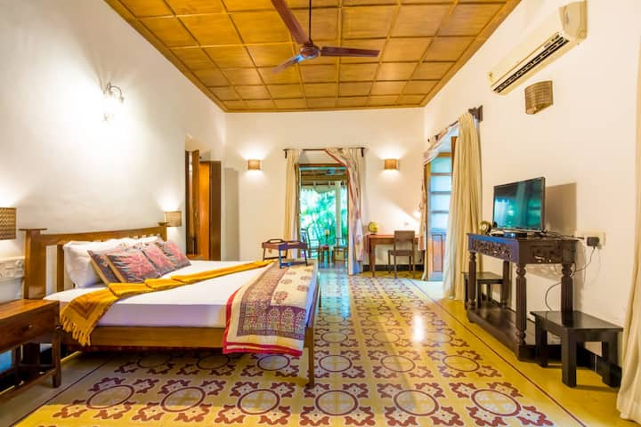 3BR Beach Villa|Calangute| Private pool|wifi|cook