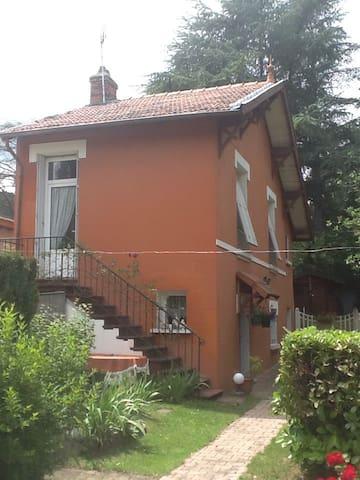 Maison indépendante beau cadre - Aurec-sur-Loire - Huis