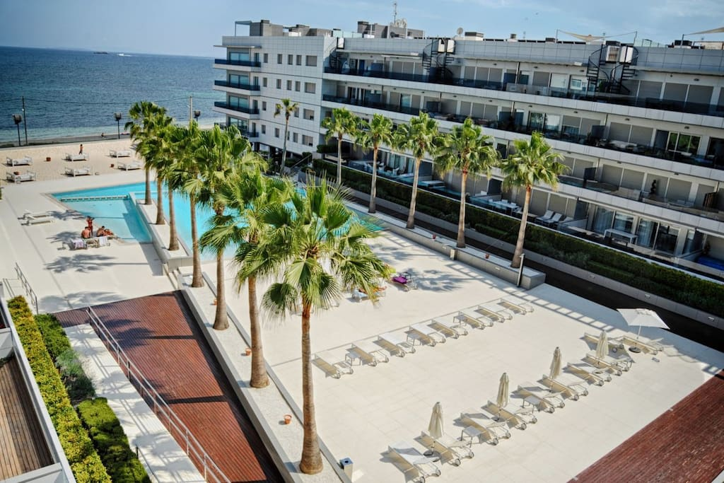 Ibiza Royal Beach - Premium quality with a resort feel.