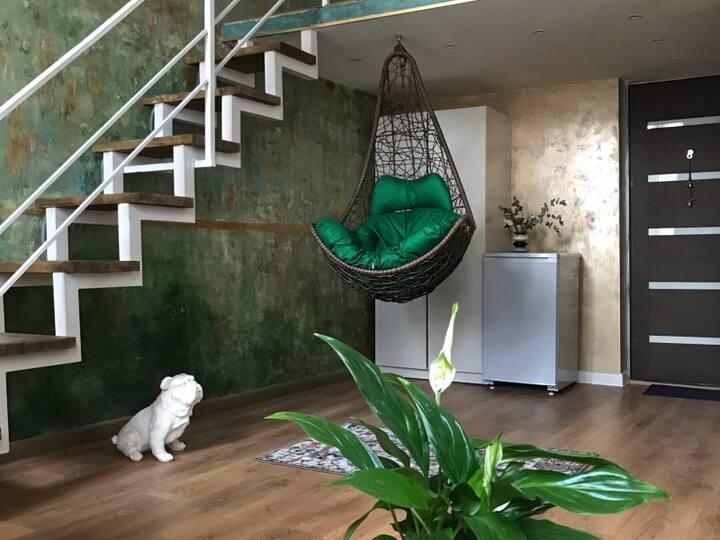 Buddha Room - двухуровневая студия + кресло-качель