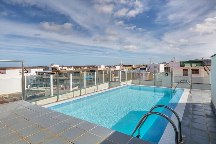 Maritime Holiday Home Casa Yerida with Pool and Wi-Fi; Parking Available
