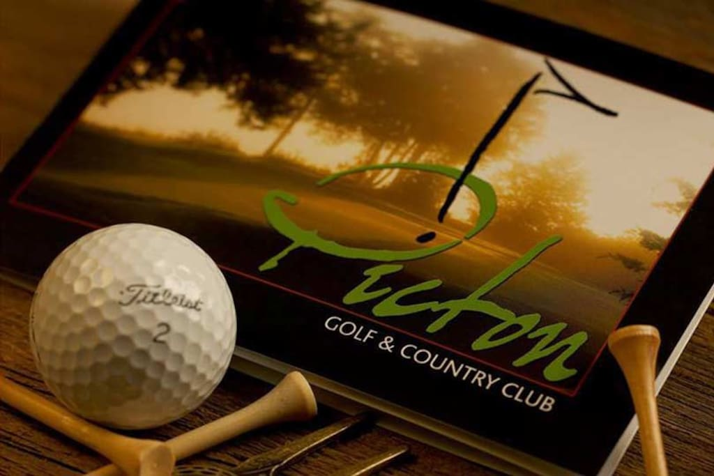 Golf lovers - check out our beautiful golf and country club right in Picton!