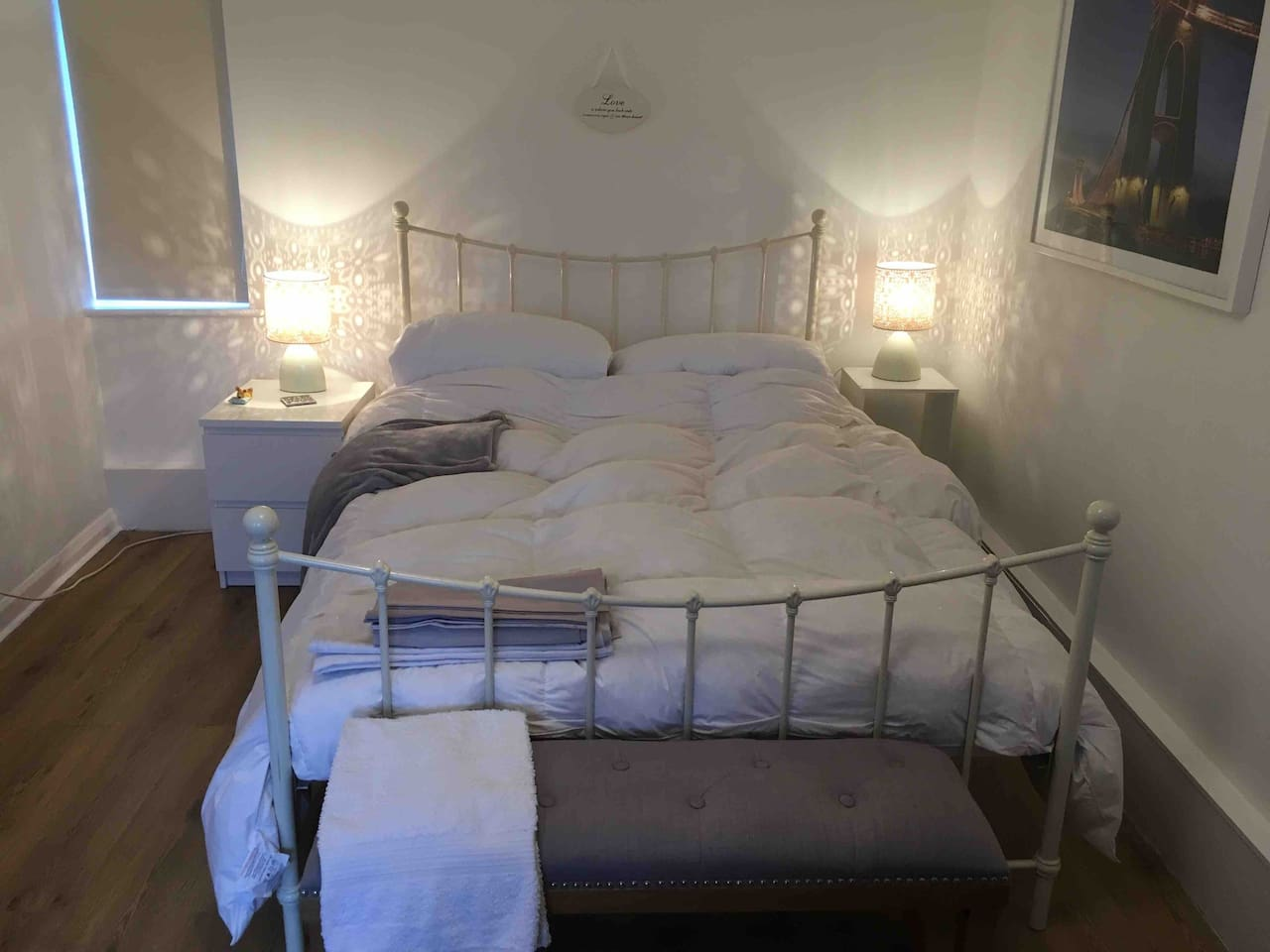 Lovely Quiet Double Bedroom near Guildford