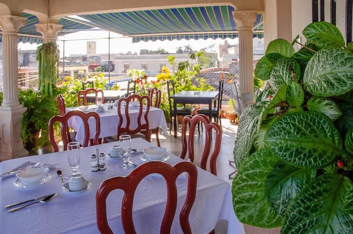 ★Hostal Amalia: Terrace w/ Amazing Views + WIFI★